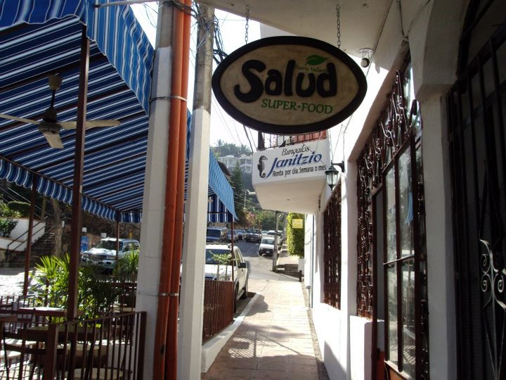 Best Restaurants in PV - Pirate Ship Vallarta - BLOG
