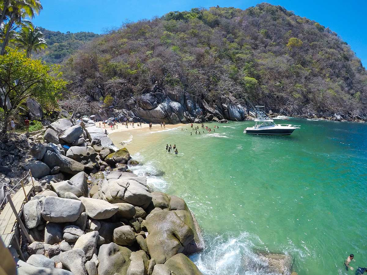 Playa Colomitos: Adventure & Natural Beauty