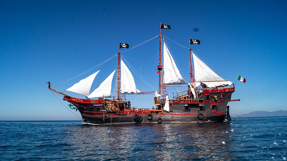 17th Century Pirate Ship Replica