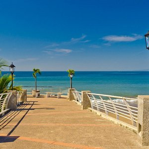 seafront-boardwalk-puerto-vallarta